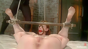 Top Girl/Girl Starlet Justine Joli Returns to HogTied