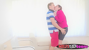 Two gorgeous babes get into an amazingly hot fuck session