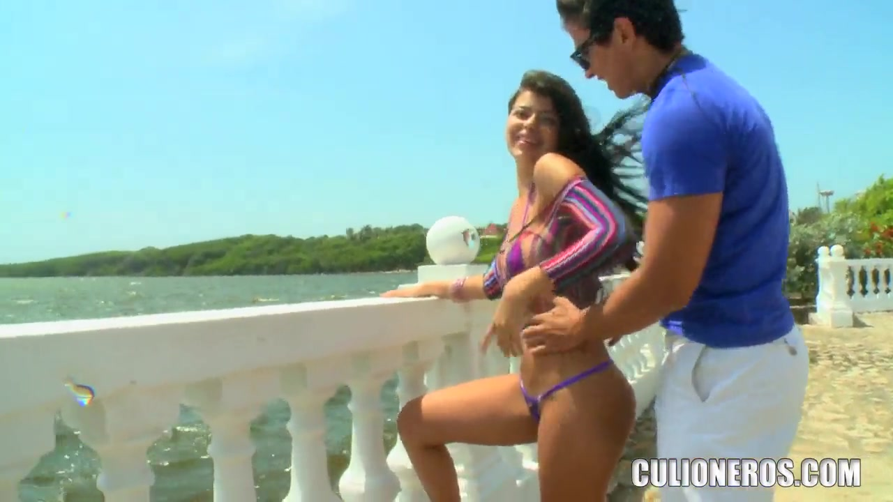 sexy diana go to the beach with two strangers which definitly want to