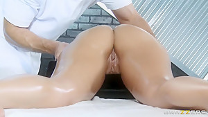 Bill Bailey and Yurizan Beltran have oiled fantasy