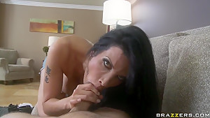 Shay Sights want to give deepthroat blowjob to her BF