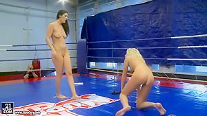 Catfight between Diana Stewart and Larah