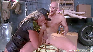 Big juggs Carmen Jay bangs with Johnny Sins