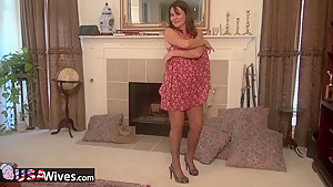 USAWIVES - Mature in pantyhose using toy on her pussy