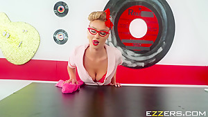 Natalia Starr In The Daily Special