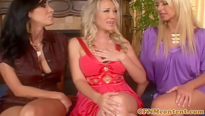 Femdom Alana Evans pussyrubbing in group