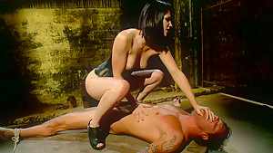 Bobbi Starr dominating
