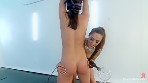 New Electroslut Adriana Chechik SQUIRTS from the CATTLE PROD!! LIVE!!!