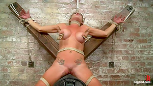 Felony - Amazing MILF Squirter