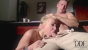 Vidya Balan Hot Kiss Scene