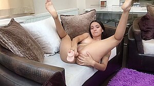 Muslim babe Saya Karim Showing How To Get Ass Ready For Anal
