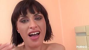 Leslie Taylor Veronica Vanoza
