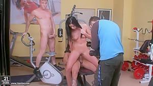 Brunette Larissa Dee fucks with two dudes