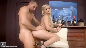Glamorous blonde Bibi Noel gets a dick in the ass before great blowjob
