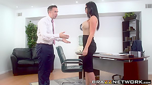 Naughty skank Jasmine Jae is ready to take it up the ass