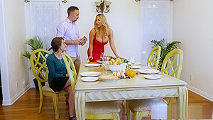 Two MILFs learn the importance of sharing on Thanksgiving