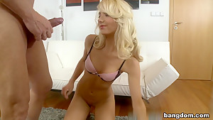 Victoria Puppy in Blonde Gets A Pussy Full